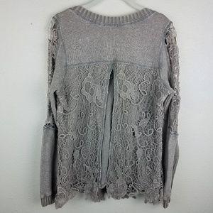 gimmicks by BKE Sweaters - 💸GIMMICKS Gray Lace Knit Open Back V-neck Sweater